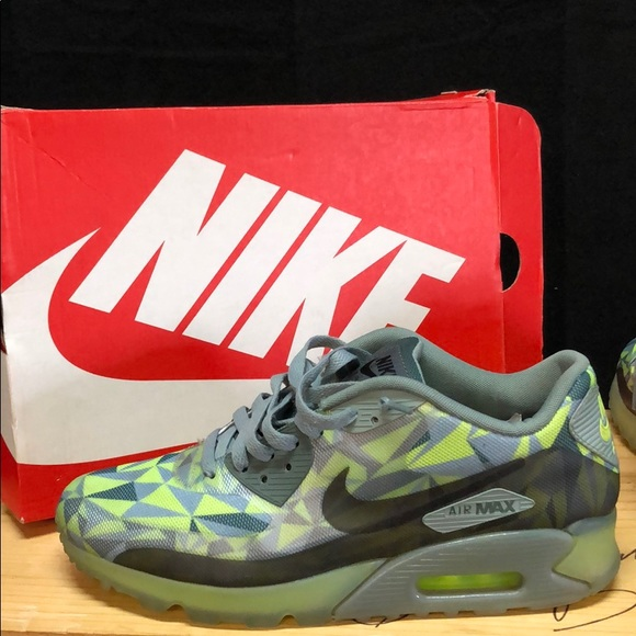 NIKE AIR MAX 90 ICE SIZE 10.5 IN BOX